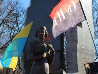 Пам'ятник О. Телізі